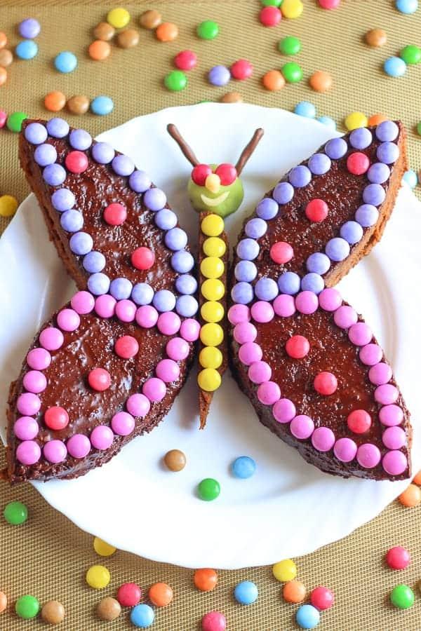 Gâteau d'anniversaire en forme de papillon